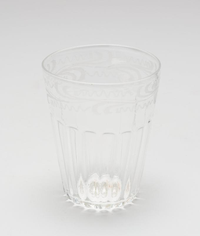 Wine glass, plain foot