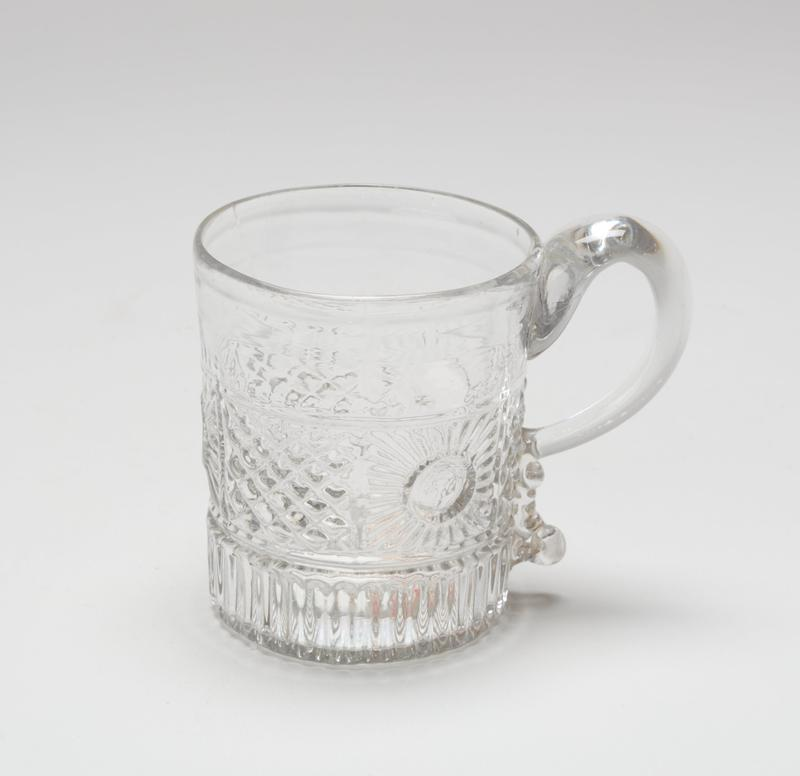Mug with handle cracked