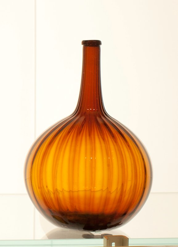 attributed to Zanesville Ohio; 24 vertical ribs, melon ribbed, amber; bottle and dishes from Ohio Manufacturers, 159 items in all, from the Walter Douglas Collection in Centerville, Ohio