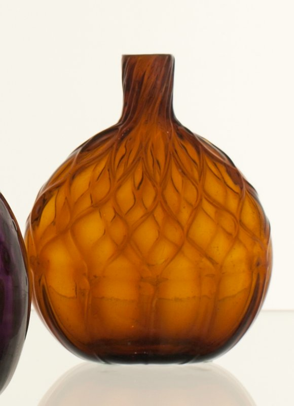 Chestnut flask, 10 diamonds, brilliant amber; attributed to Zanesville; bottle and dishes from Ohio Manufacturers, 159 items in all, from the Walter Douglas Collection in Centerville, Ohio