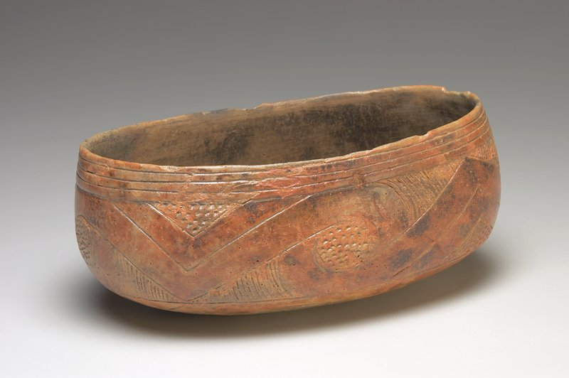Crenshaw Canoe Bowl, earthenware, North America, Mississippian Culture, XII-XV c.; (found at Stokes Place, Pike County, Arkansas)