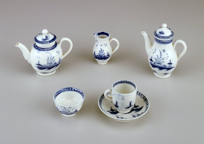 blue and white Oriental design