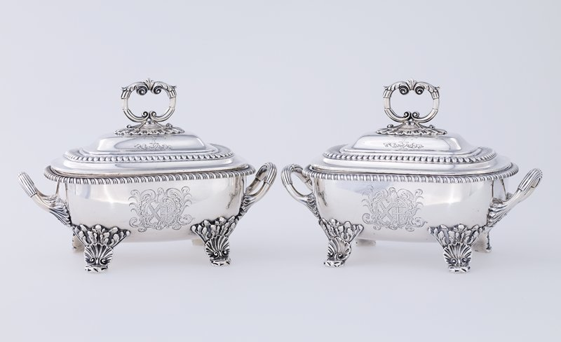 small covered tureen; shell and ecanthus feet at each corner, large crest at each side of tureen; twisted rope rim; reed and lead handles; double handled