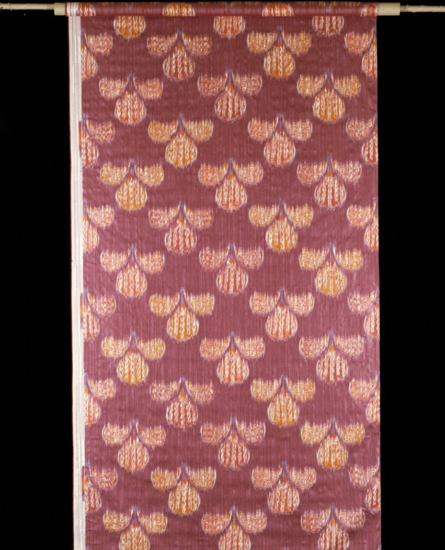 display length of warp printed and jacquard woven in Switzerland