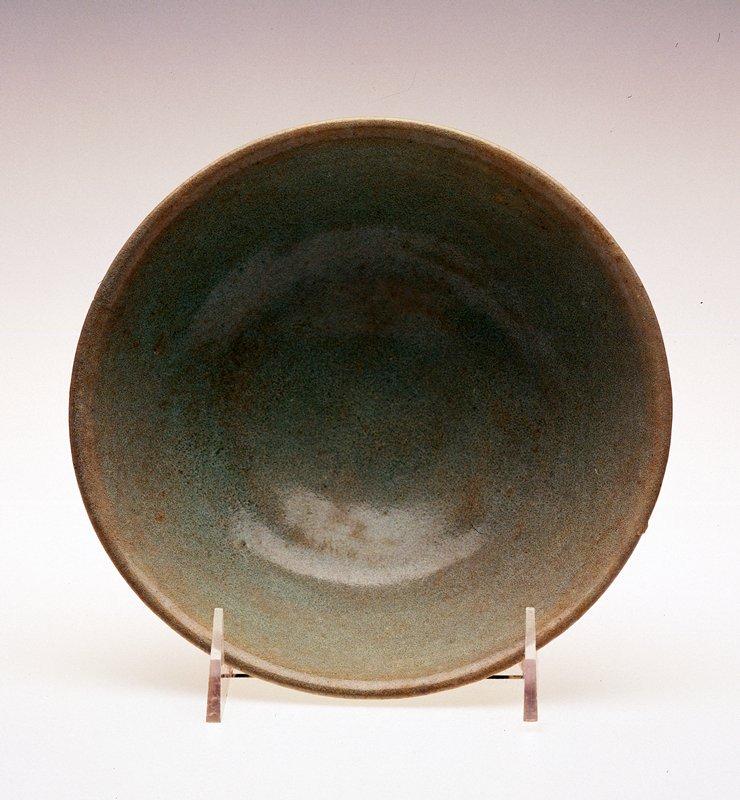 Monochrome Bowl, porcelaneous stoneware.