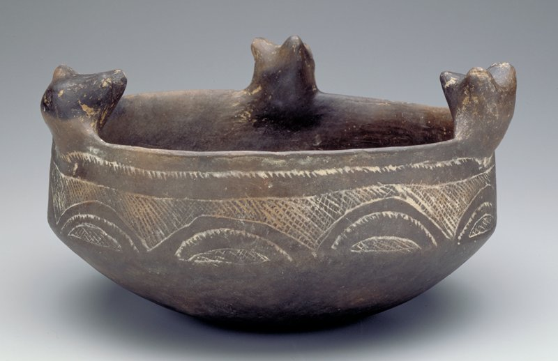 Bowl with Friendship Bears, earthenware, North America, Mississippian Culture,XII-XVc.