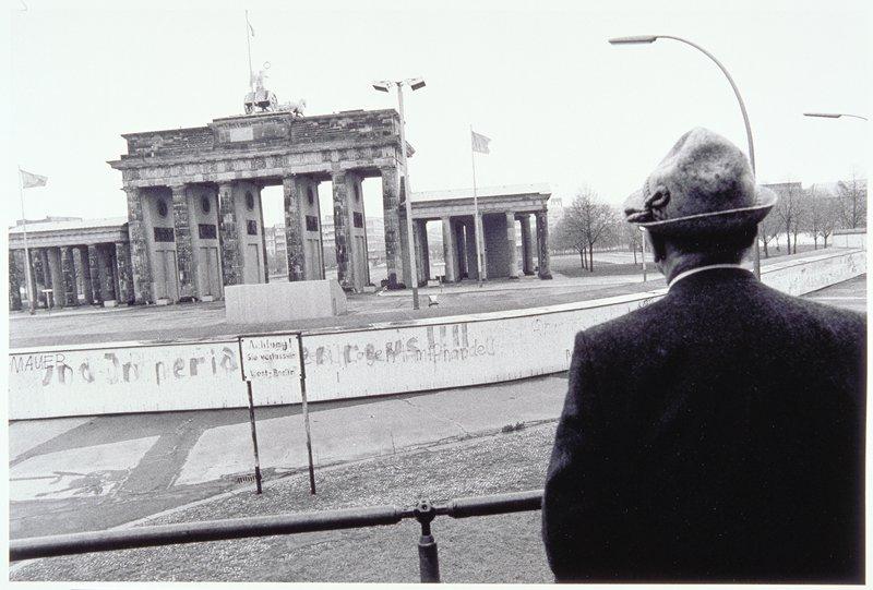 'Achtung! Sie Verlassen West Berlin'