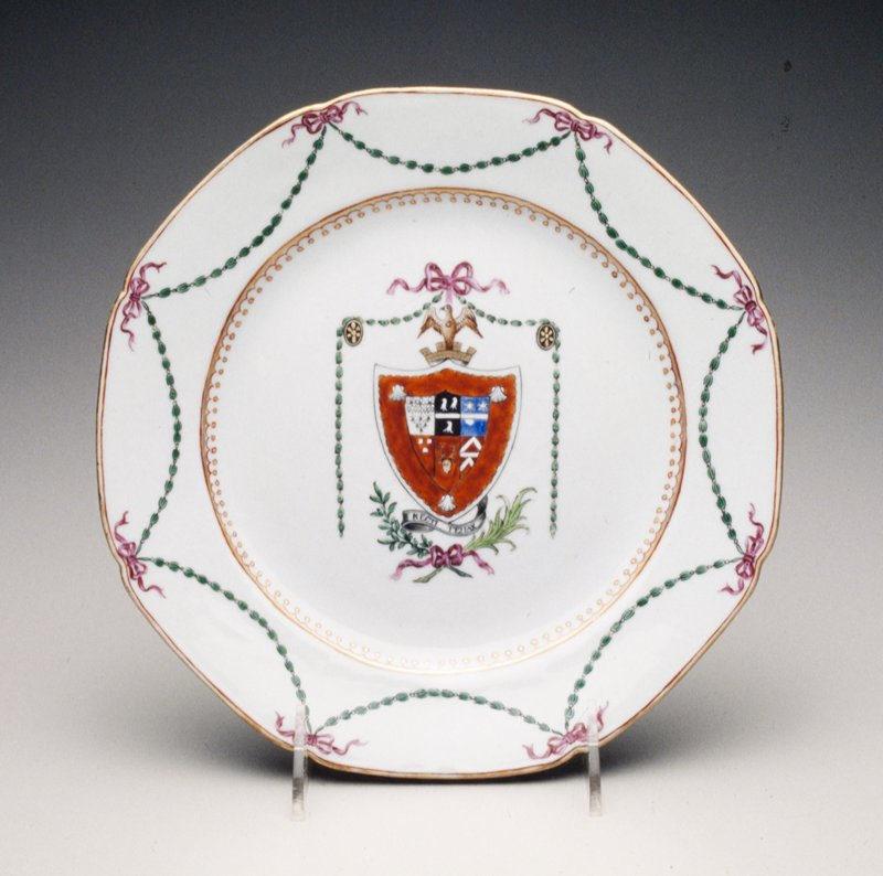 Earl of Lincolnshire with Gay; iron-red shield above motto mantling of green husks suspended from a puce bow; Qian Long