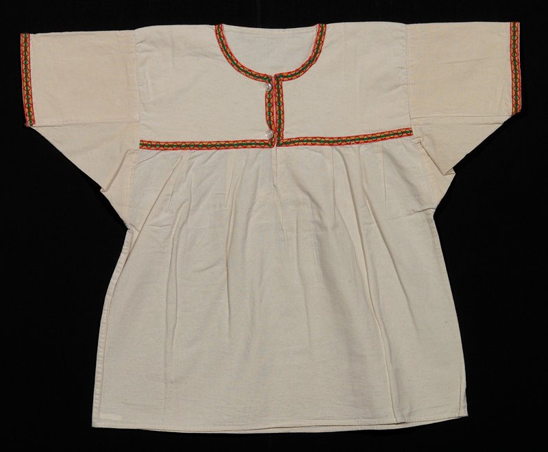 white cotton blouse; lace decoration applied on neckline, breast and sleeve edges; appliqued braid