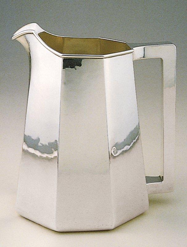 panel form pitcher