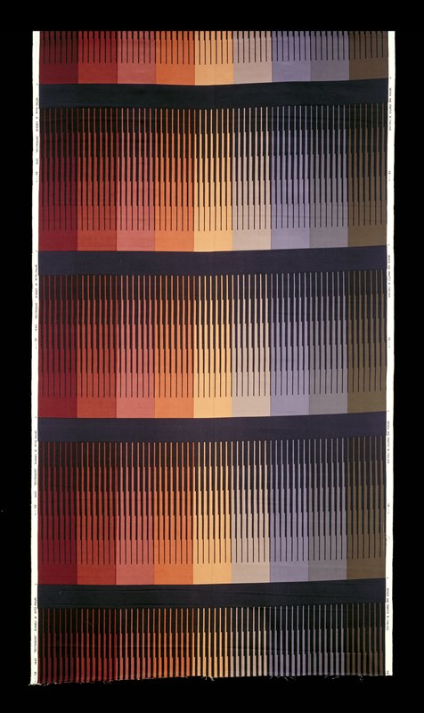 Spectrum of colors from green to dark red; complete spectrum repeated four times; divided by dark blue lines